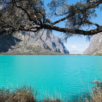 Llanganuco lake and its stunning turquoise water