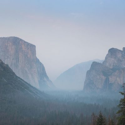 Heavy wild fire smoke is submerging famou Yosemite valley