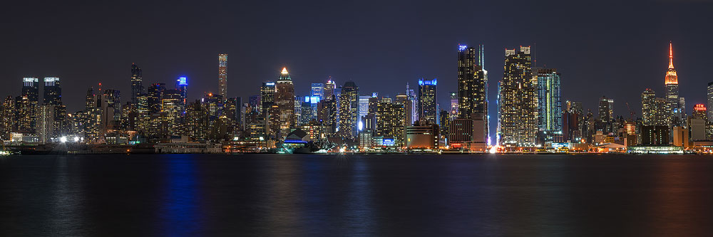 Panorama of New-York skyline at night from New-Jersey