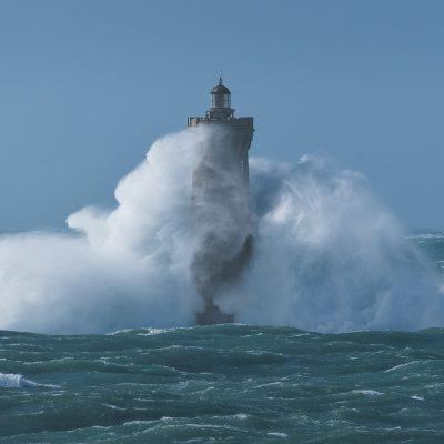 A giant wave hitting Four lighthouse - Phare du Four